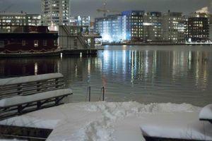 snöig badbrygga (1 av 1)